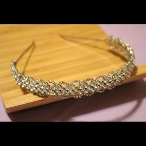 Jeweled headband💍💍💍💍